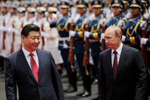 Трамп наоборот: России сохранение санкций, Китаю развитие конструктивных отношений