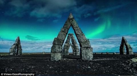 Невероятная красота подлунной Исландии
