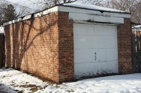 Машину в «спячку». Как правильно хранить автомобиль зимой в гараже