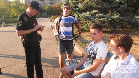 Парни в Славянске отказались…