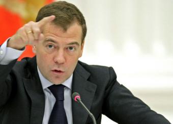 """Медведев: Россия не """"бананов…"""