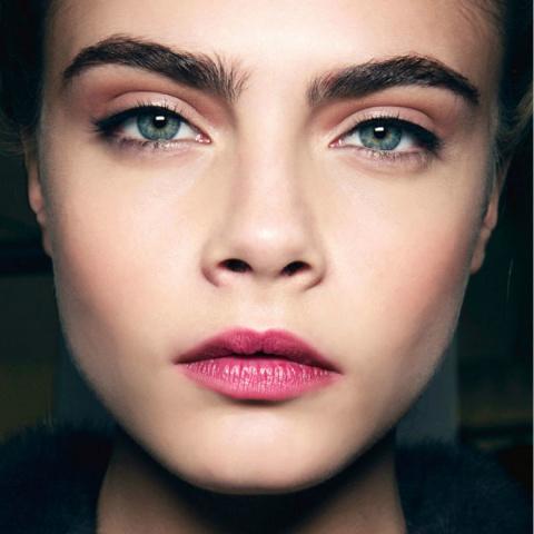 Как правильно красить брови:…