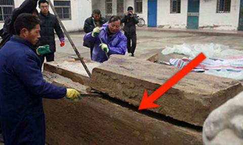 Дорожные работники нашли под…