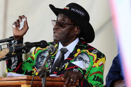 Президент Зимбабве потратил …