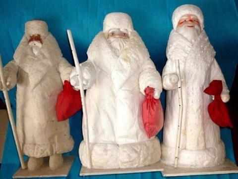У кого стоит такой Дед Мороз…