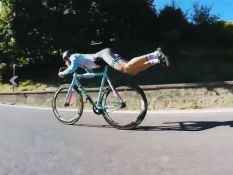 Хитрый велогонщик...