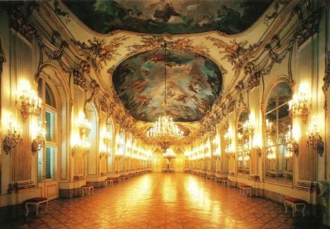 Дворец Шенбрунн: жемчужина в…