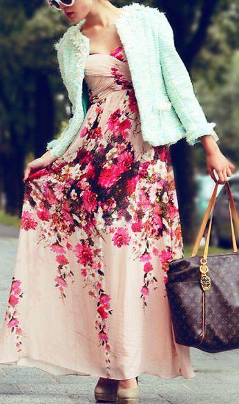 Платья с цветочным принтом — как носить, чтобы выглядеть модно и стильно