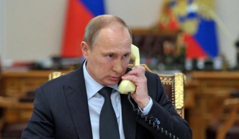 Песков подтвердил факт телеф…