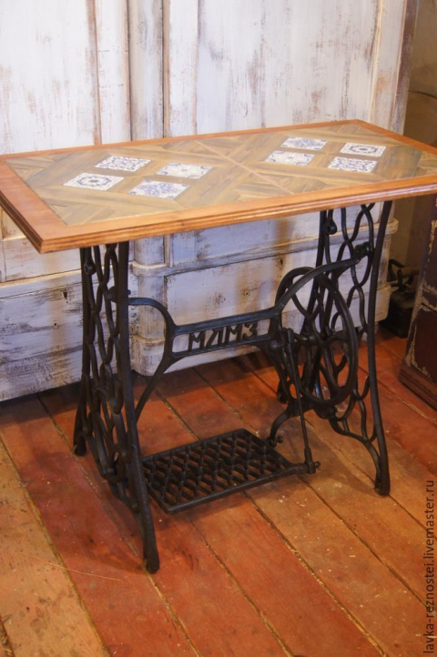 Стильный столик из металлолома