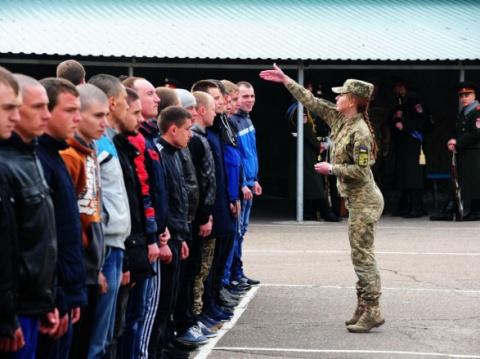 Почти половина украинских призывников уклоняются от службы в ВСУ