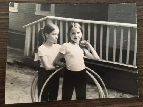 ~1979 Сестренки... Катя и Марина Зотовы