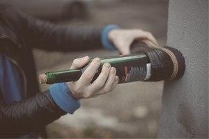 Как открыть бутылку вина без…