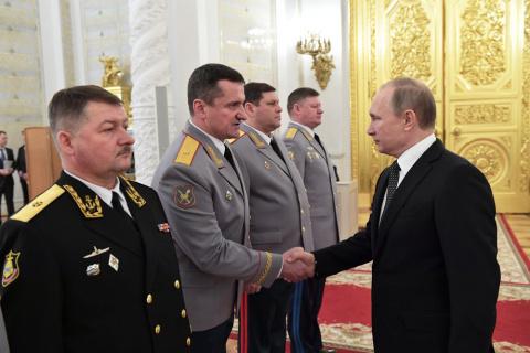 Путин поручил наградить погибших в Сирии военнослужащих