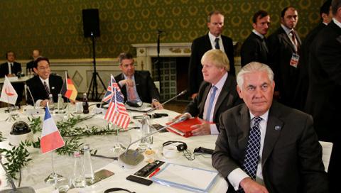 Тиллерсон спросил у G7, почему США должен волновать конфликт на Украине