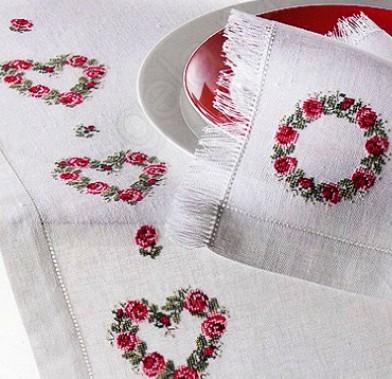 Просто и красиво — схема для вышивки скатерти розами