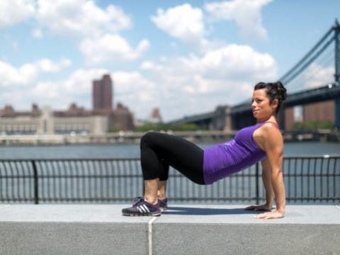 Гимнастика для «груши» – упражнения для бедер