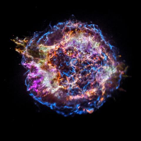 Телескоп «Чандра» показал распределение химических элементов в погибшей звезде