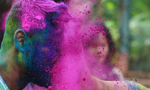 Фестиваль красок в Индии - п…