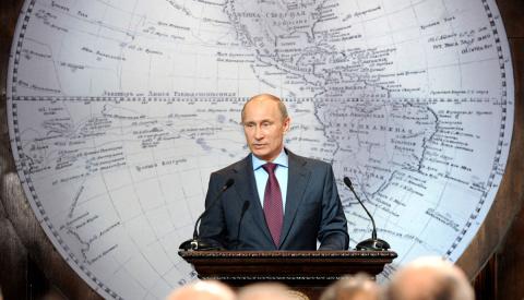 Как Путин вмешивается в чужи…