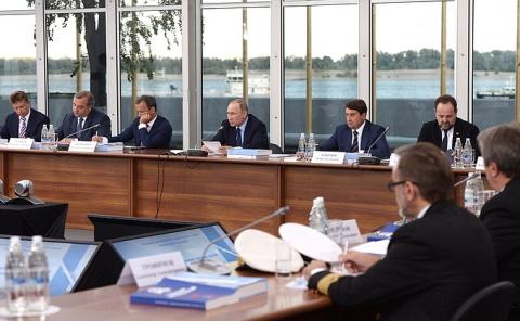 Заседание президиума Госсовета по вопросу развития внутренних водных путей - Новости недели