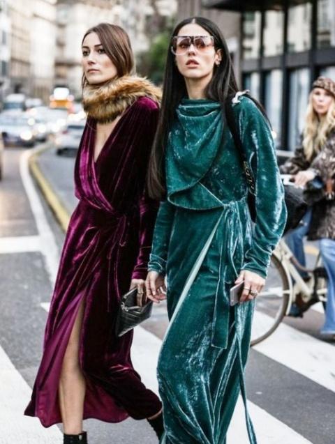 Шикарные образы уличной моды, где в главной роли—бархат
