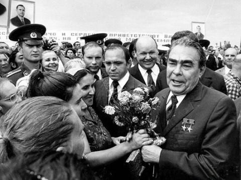 Чем запомнился генсек Брежнев и его эпоха