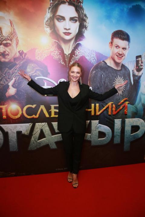 Совсем не пара: красавица Екатерина Вилкова вывела в свет мужа с незаурядной внешностью