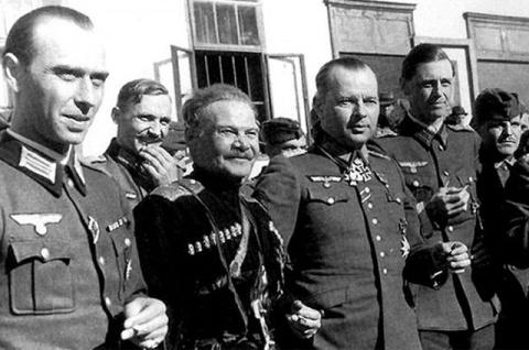 Расплата в Лиенце. История русских казаков, присягнувших Гитлеру