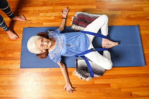 85-летняя женщина изменила свое тело