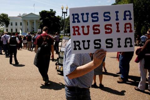 Американцы призвали власти забыть о России и заняться собой