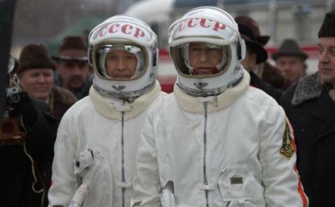 10 российских фильмов, прият…