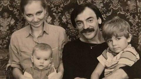 Фотографии знаменитостей из домашних архивов