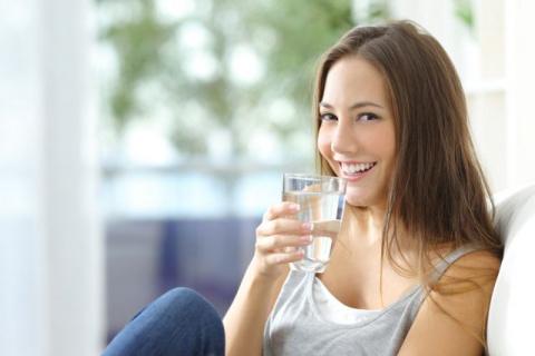 Ешьте воду, чай и сок. Что н…
