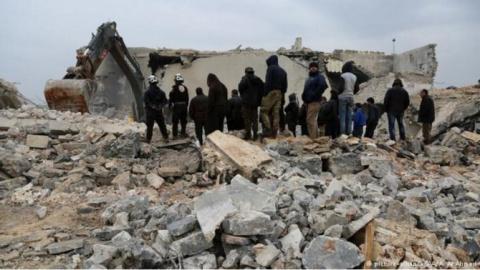 США разбомбили школу и наконец-то попали по террористу