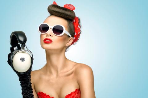 Как правильно сочетать очки и макияж