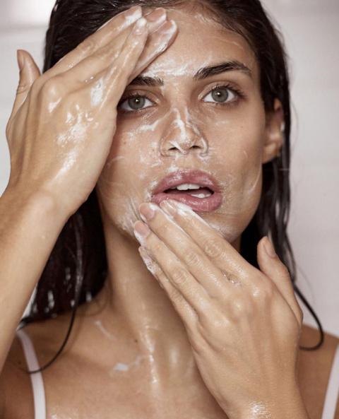 Как ухаживать за кожей лица:…