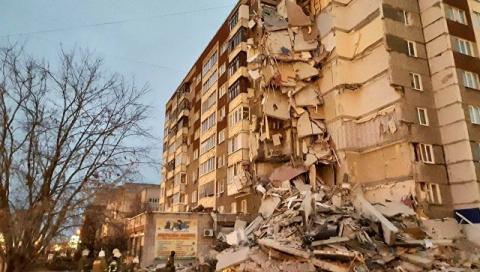 В Ижевске обрушился подъезд …