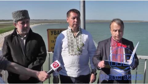 Это надо видеть: Украинцы устроили очередное шоу на границе с Крымом