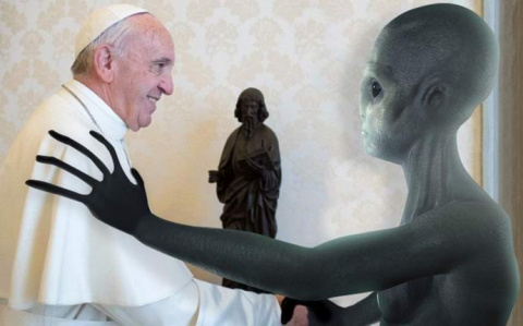 Папа Римский прекрасно освед…