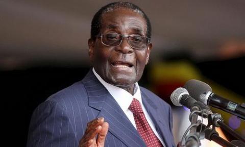 Аплодисменты Роберту Мугабе:…