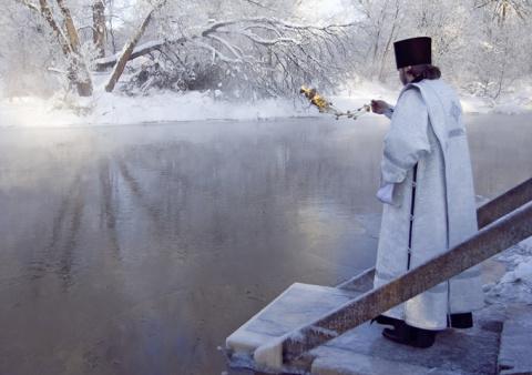 Чем отличается Крещенская во…