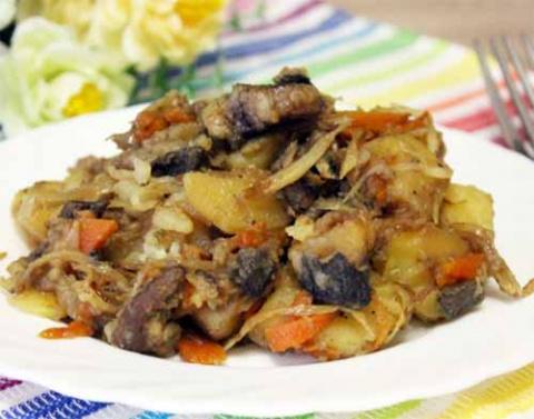 Жаркое из свинины с сушеными грибами