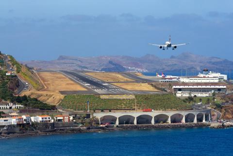 Сплошной адреналин. Самые экстремальные аэропорты мира
