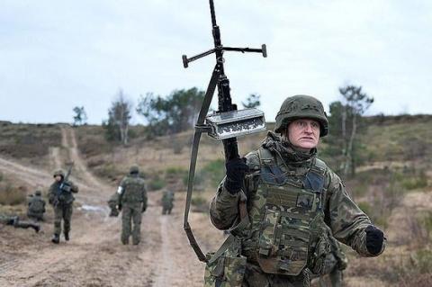 НАТО не скрывает: Россия вра…