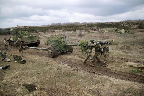 Украинские силовики стягиваю…