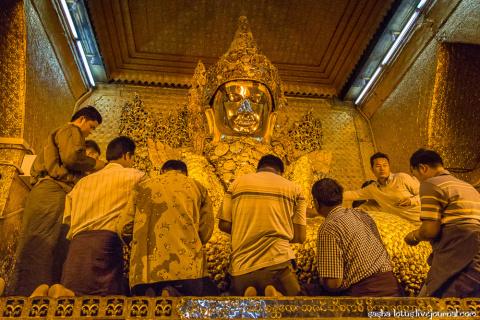 Махамуни - одна из пяти прижизненных статуй Будды