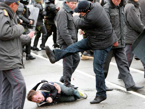 Русский исход. Почему наши соседи пинают русских?