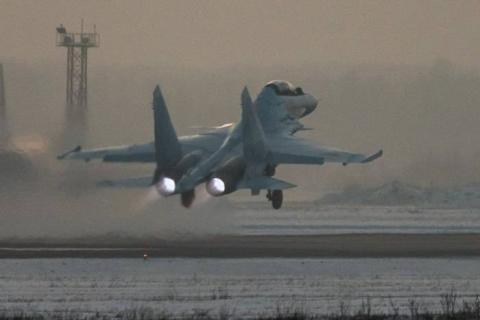 Три истребителя Су-30СМ пост…