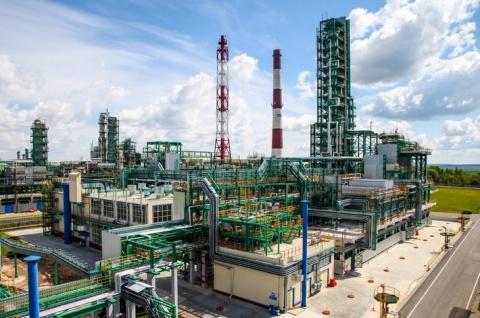 Славнефть запустила установку по производству базовых масел III группы качества